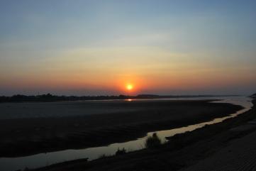 Atardecer en el (seco) Mekong.