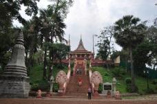 Este templo da nombre a la capital de Camboya.