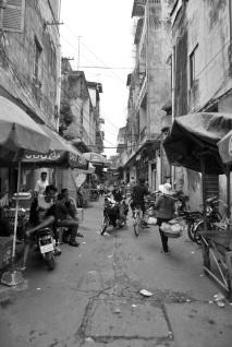 Vida de calle. Retrato en una calle de Phnom Phen.