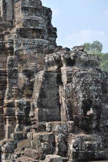 Angkor. La cara del rey repetida en cada lado denotaba autoridad. La sonrisa, a su vez, mostraba humanidad.