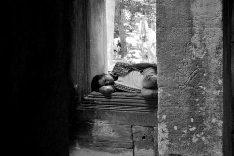 Cualquier lado es bueno para una siesta.